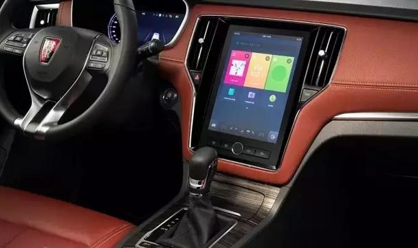 荣威rx5惊艳亮相车展 首款量产互联网汽车