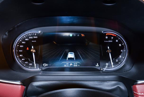 """""""汽车首款量产互联网全球""""荣威rx5亲密v汽车1996年福美来爆震传感器位置图片"""