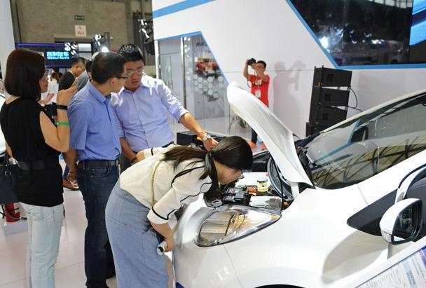 jac新能源车领秀上海国际新能源汽车展